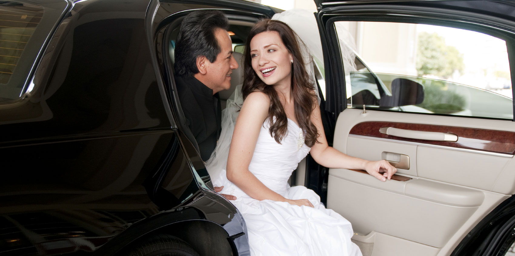 The Benefits Of Hiring A Limousine Service To The Airport